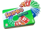 Mattel Games L3671 Skip-Bo Deluxe in Metalldose Kartenspiel, geeignet für 2 - 6 Spieler, Spieldauer ca. 30 Minuten, ab 7 Jahren - 1